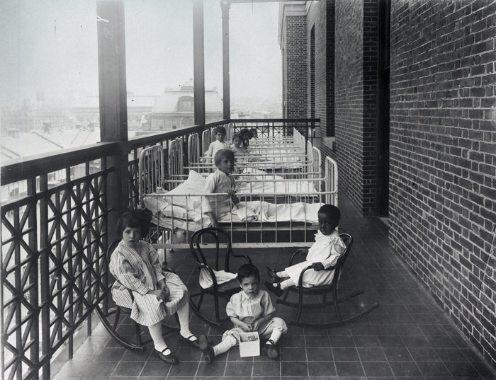 Children_with_TB_at_Bellevue.jpg